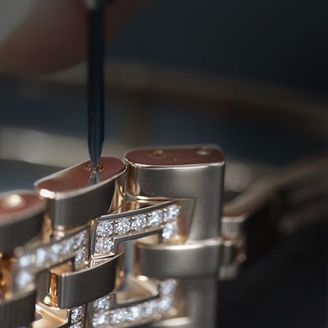 Roger Dubuis metal bracelet detail