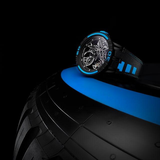 Roger Dubuis Excalibur Spider Pirelli RDDBEX0826 Tyre detail