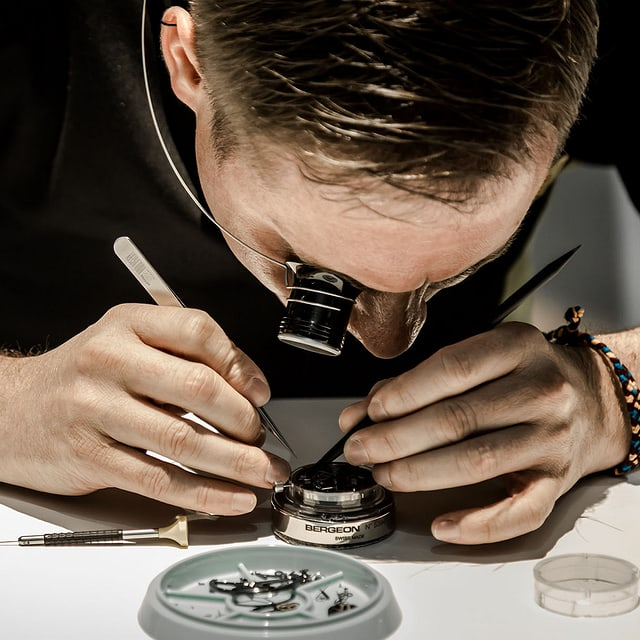 Roger Dubuis services & price caliber being serviced