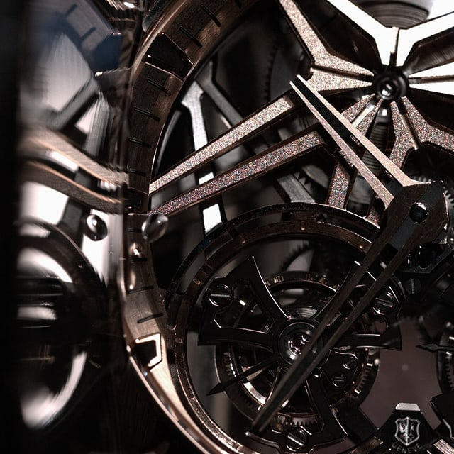 Roger Dubuis care & maintenance Excalibur star water reflection detail