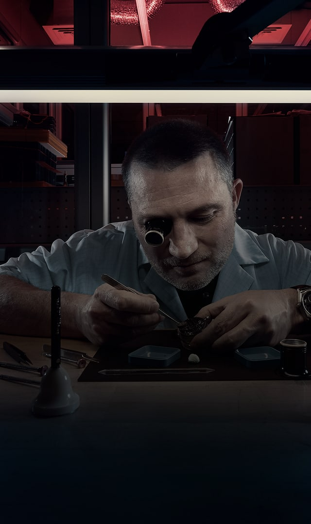 Roger Dubuis services center watchmaker at work header