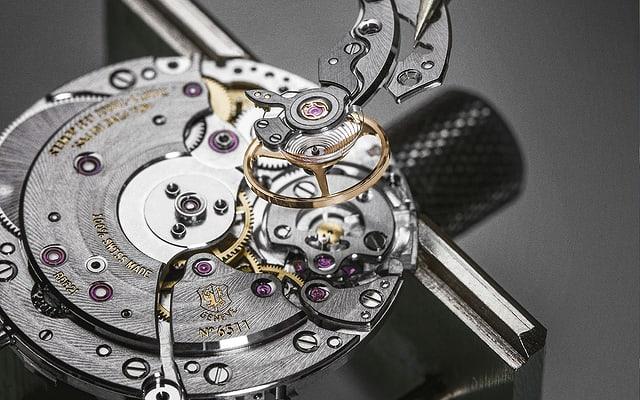 Roger Dubuis Poinçon de Geneve caliber close-up